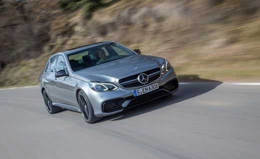 2014-mercedes-benz-e63-amg-4matic-photo-503394-s-520x318