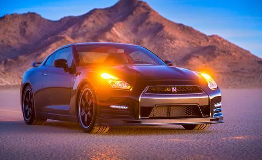 2014-nissan-gt-r-track-edition-photo-500249-s-520x318