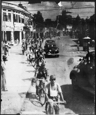 Japs entering Singapore