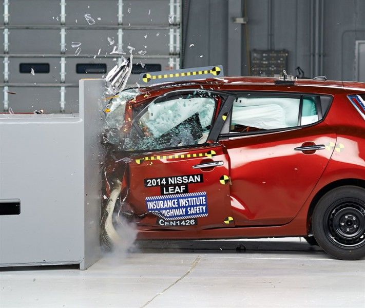 2014 Nissan Leaf Small Overlap Crash Test