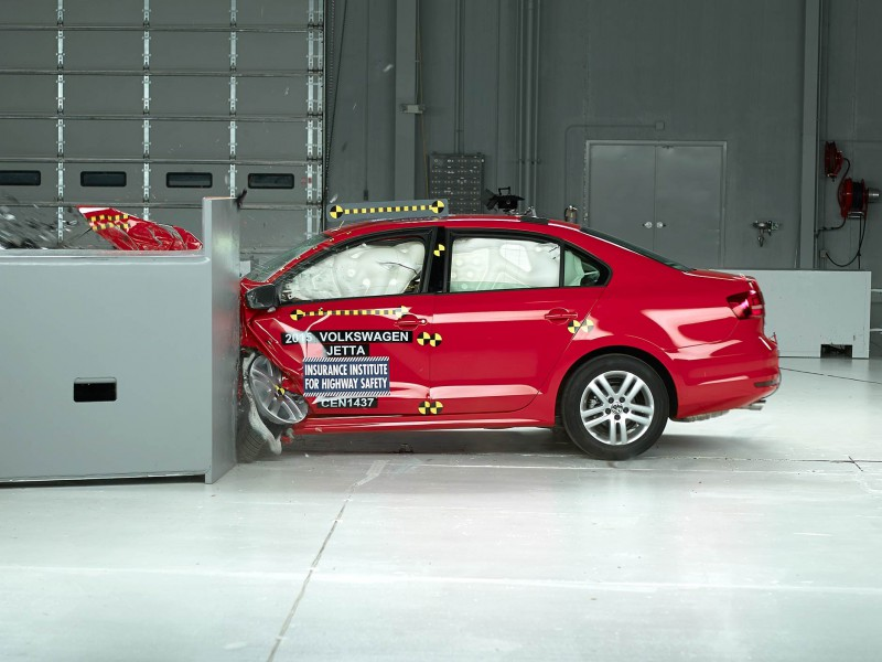 2015 Volkswagen Jetta Small Overlap Crash Test