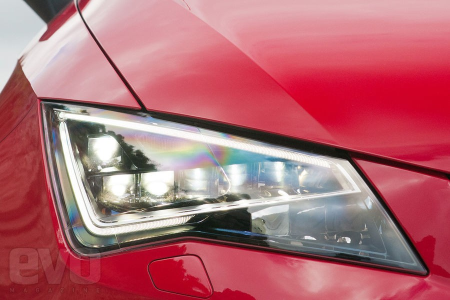 Seat Leon LED farları